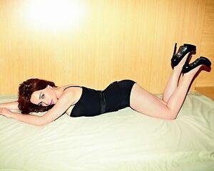 Emilia-Clarke-8x10-Sexy-Photo-046