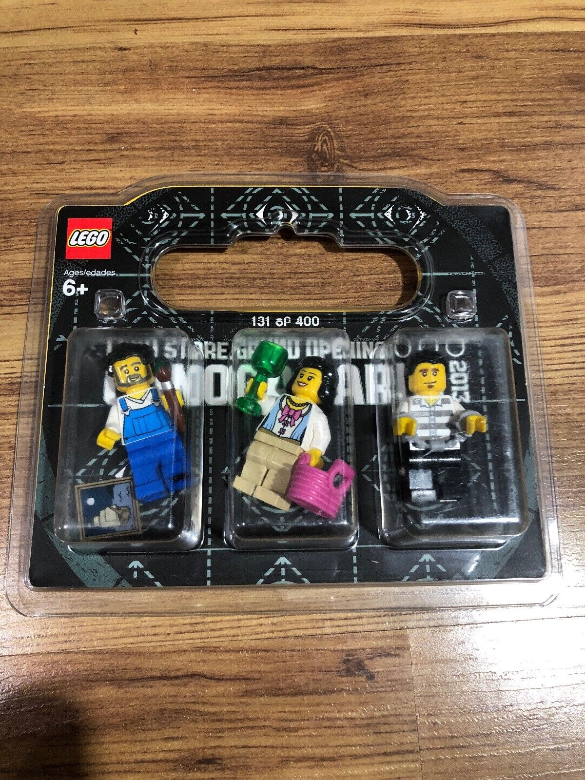 LEGO Store Grand Opening Minifigure Canoga Park 2013 Rare Limited 131/400