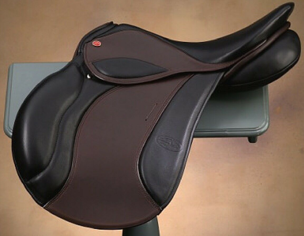 JUST REDUCED   Courbette Vision 16.5 inches Saddle