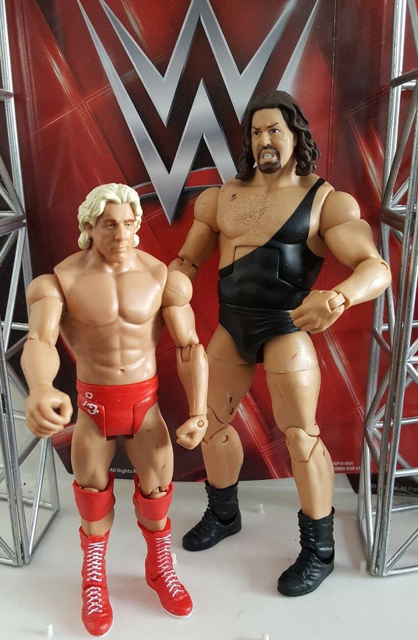 WWE MATTEL SERIES 22 ELITE THE GIANT AND RIC FLAIR WCW NWO WRESTLING FIGURE