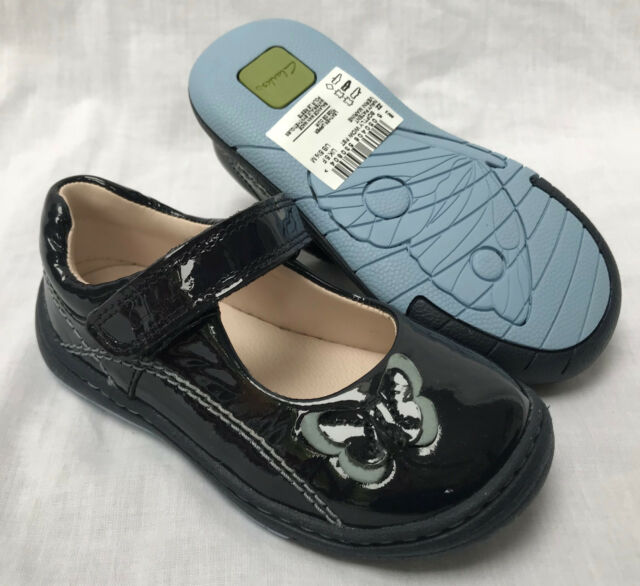 a6dbcd57156 Clarks Softly WOW Girls First Shoes Size 4.5f Navy Patent for sale ...