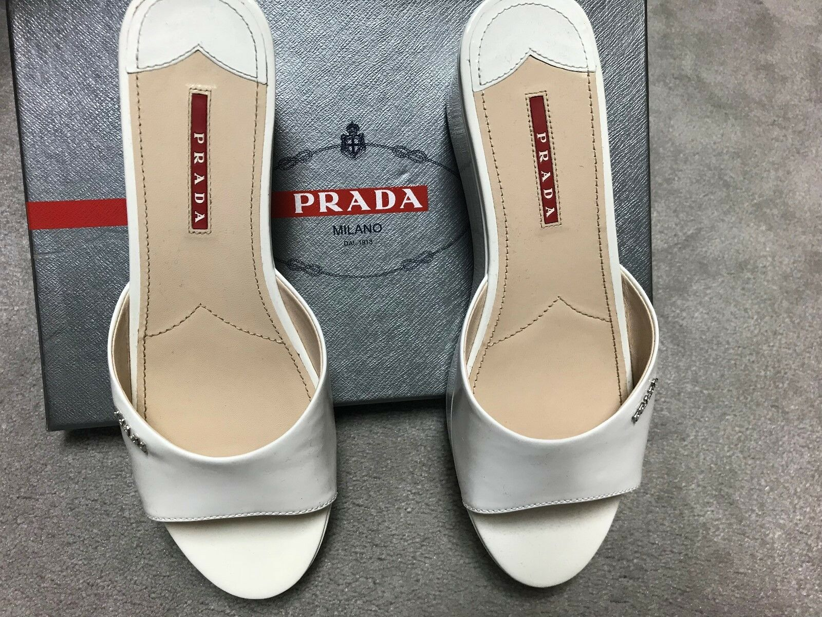 Authentic Prada Weiß patent wedges schuhe 38.5 38.5 38.5 (US 8) 42f79c