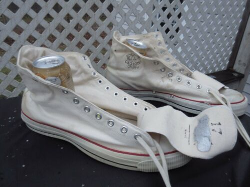 Unknown Brand White Canvas Basketball Shoes / Size