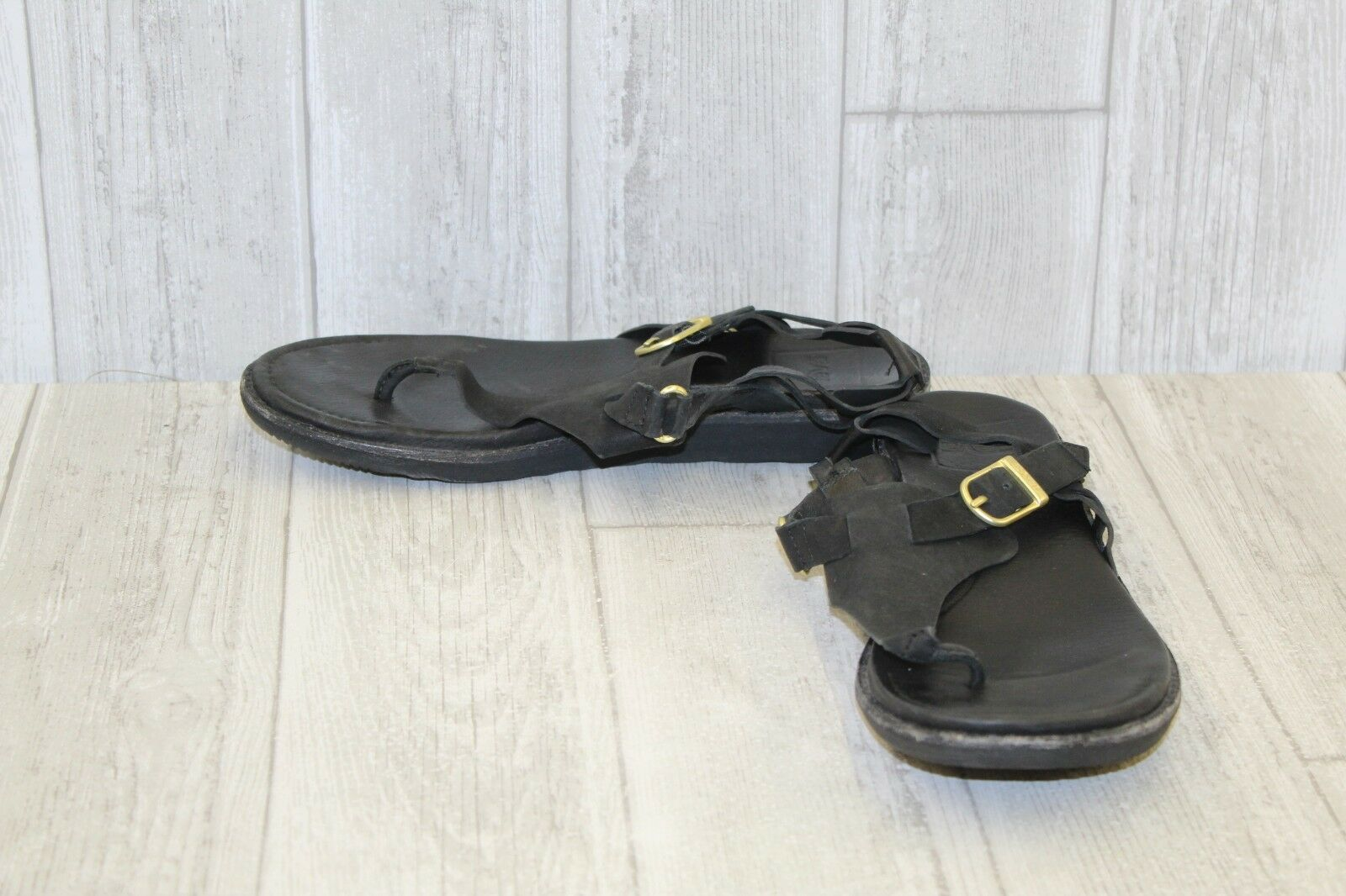 Teva Encanta T-Strap Leather Thong Sandals, Women's Size 8, Black