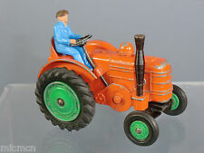 DINKY TOYS MODEL No.301 FIELD MARSHALL TRACTOR