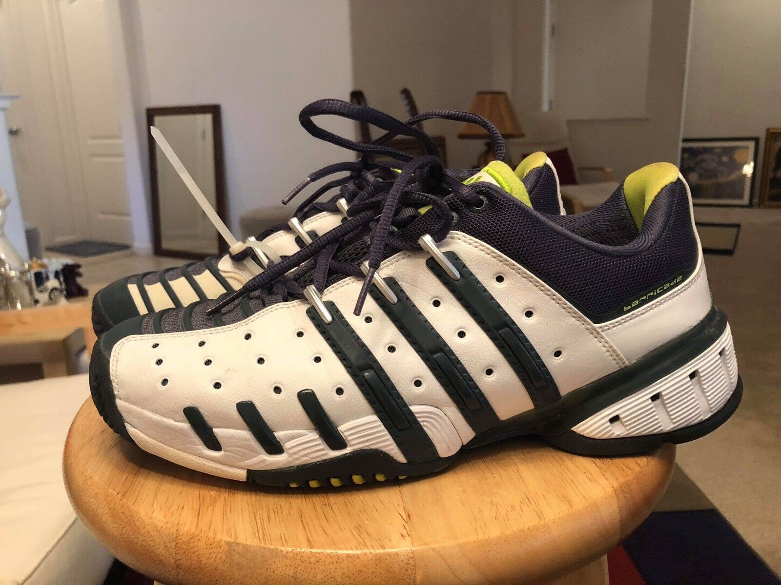 Classic Adidas Barricade White N bluee Green Mens US9.5 Athletic Sneakers shoes