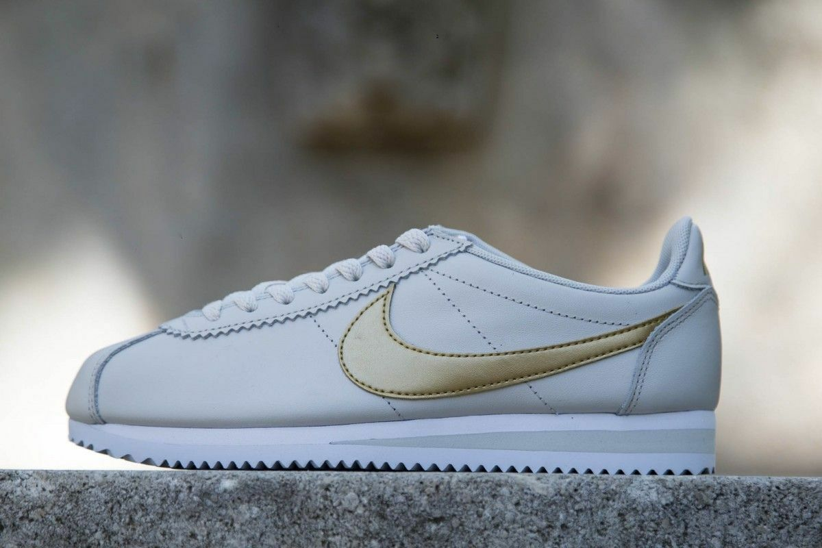 Nike Classic Cortez Leather Light Bone/Metallic Gold-White 807471-011 Wmn Sz 8.5