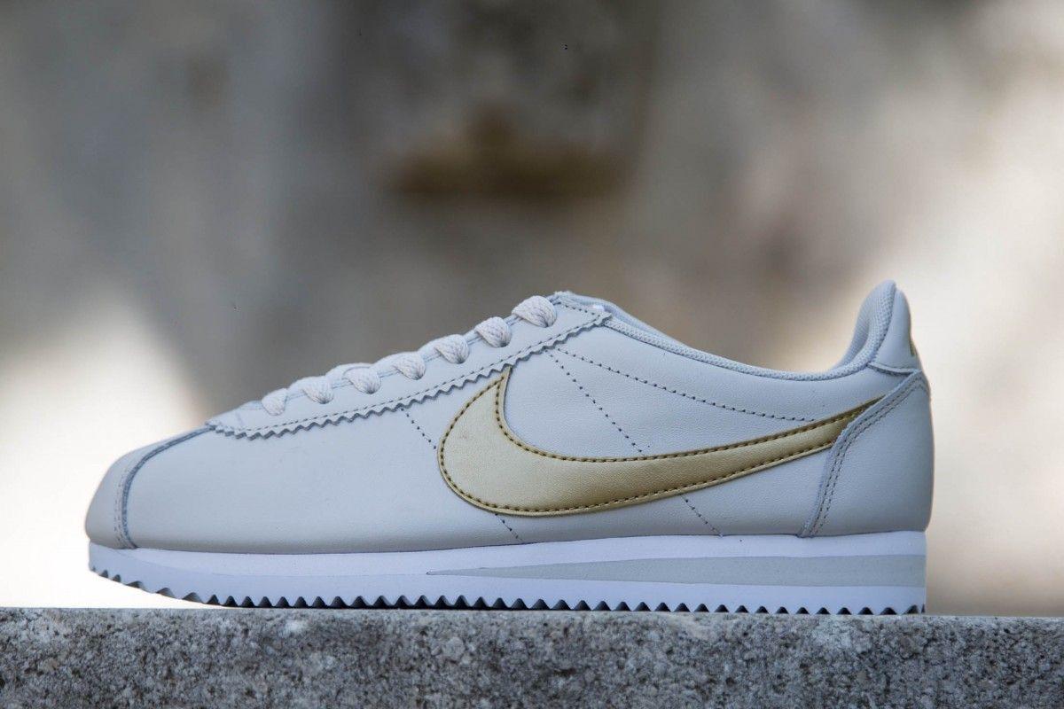 Nike Classic Cortez Leather Light Bone/Metallic Gold-White 807471-011 Wmn Sz 10