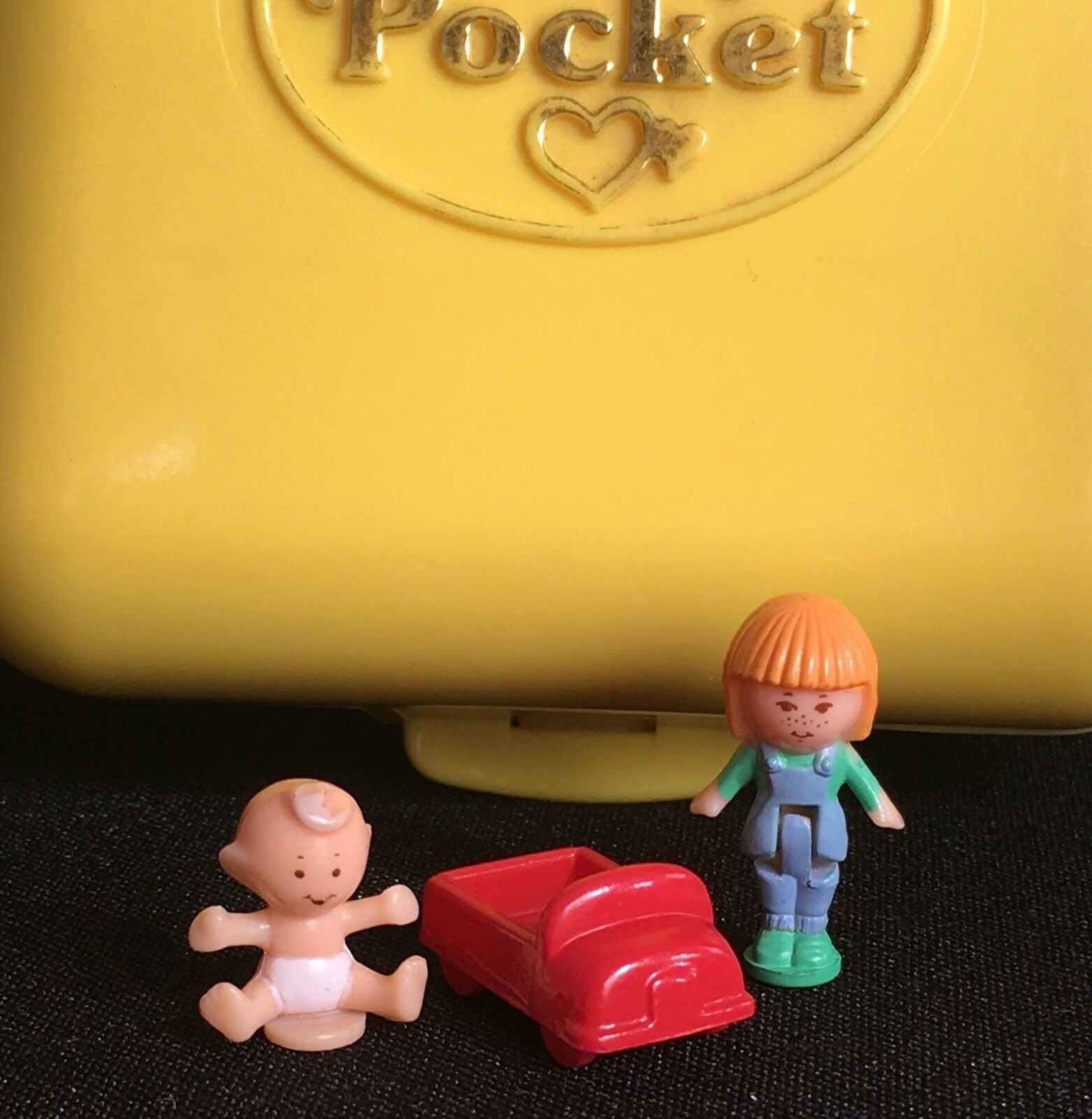 Polly Pocket Mini  1989 - Polly Pocket Midge's Play School Compact Baby 20.3