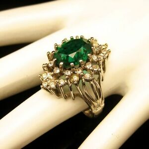 Vintage-Cocktail-Ring-Large-Green-Glass-Stone-Rhinestones-Gold-Plated-Size-8