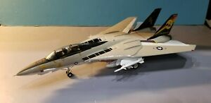 "ARMOUR MODELS (98038) US NAVY F-14 ""TOMCATTERS"" 1:48 SCALE DIECAST METAL MODEL"