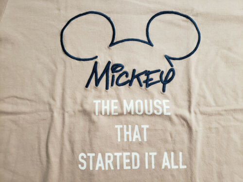 "LARGE UNIQLO GRAPHIC /""CELEBRATE MICKEY/"" MEN/'S PINK T-SHIRT"
