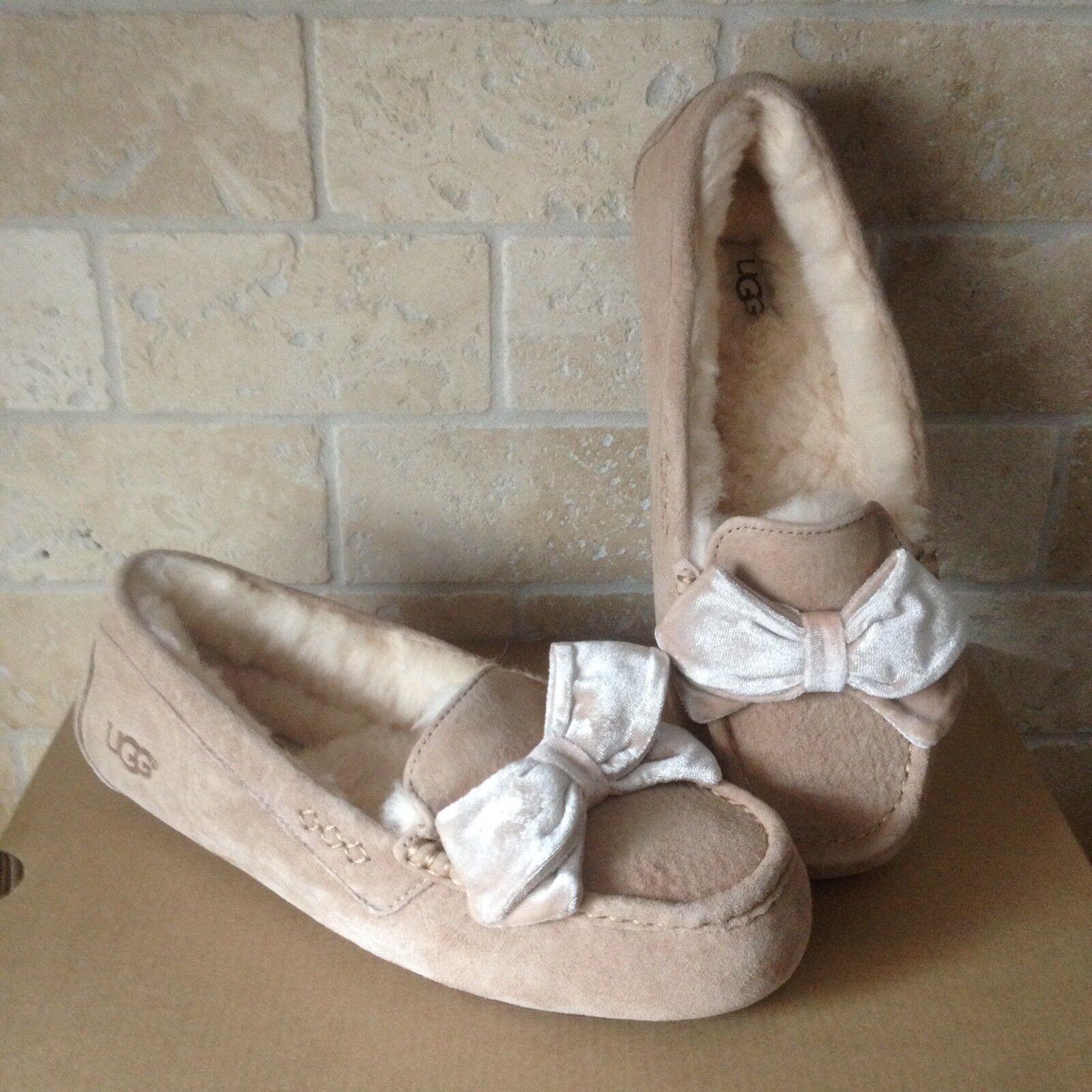 Mocassins UGG Clara Velvet Ribbon Driftwood en daim, chaussons, taille US 6 femmes