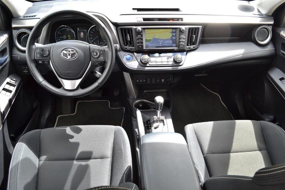Toyota RAV4 2,5 Hybrid H3 CVT Benzin aut. Automatgear