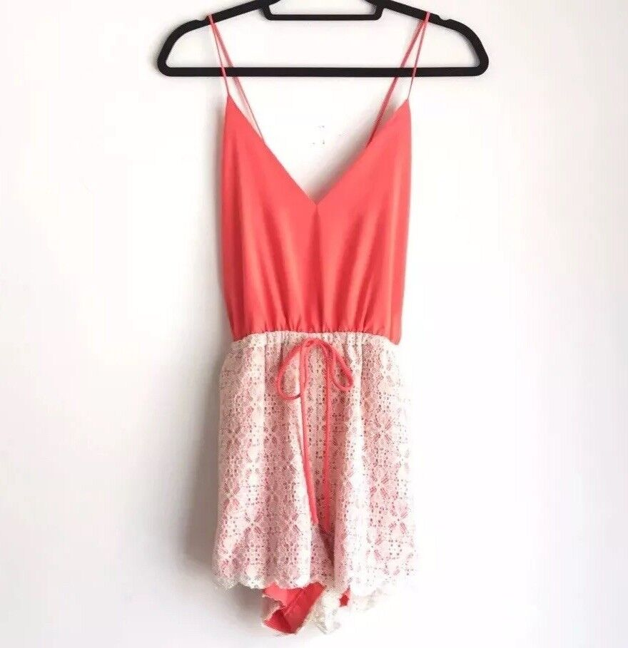 6 Shore Road Coral Sunset Maylay Short Romper with White Lace Size Small