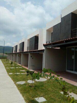 Casa con alberca y salon de usos multiples en Cuautla