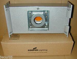 New Cooper Lighting Invue Entri Led Lightbar Thruway Box