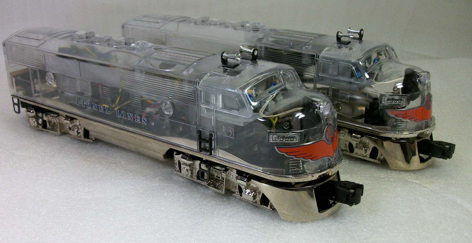 LIONEL 38150 + + + 29086 PLATIMUM GHOST CLEAR SHELL F-3s & MADISON CARS C-8++ OBs e3bed8