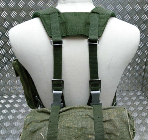 Genuine Vintage Army Vinyl /& Heavy Canvas Set Backpack Belt Harness And Pouches