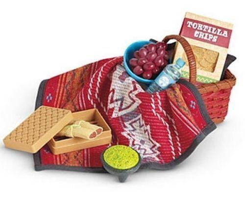 American Girl Saige/'s PICNIC SET retired basket blanket box food water bottle