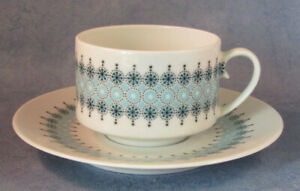 ARABIA-OF-FINLAND-Louhi-Vintage-Coffee-cup-amp-Saucer-Excellent-Condition