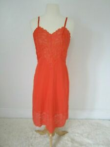 Vtg-60-039-s-Vanity-Fair-Coral-Full-Size-Dress-Slip-Women-039-s-32-Lace-Trim-Rare-Color