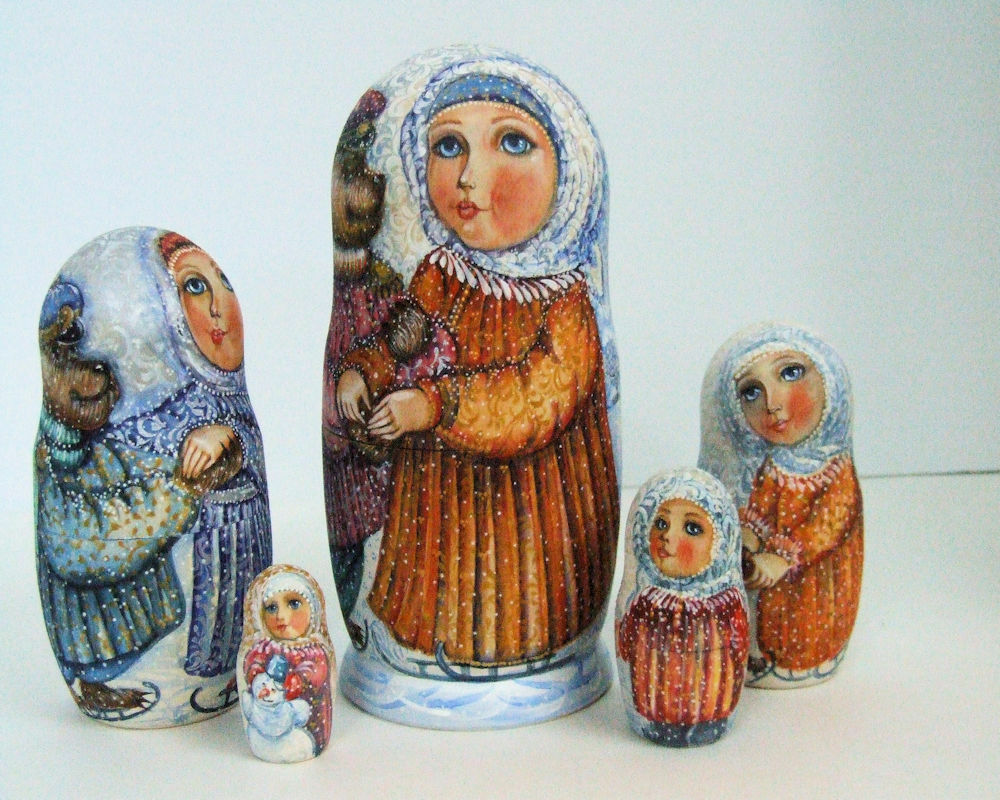 5p Handpainted Only one Russian Nesting Doll