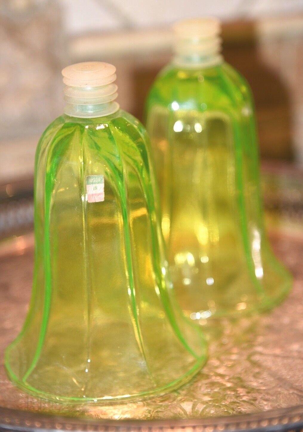 2 VINTAGE GLASS VOTIVE CANDLE HOLDER INSERT Grün VASELINE GLOW IN DARK 5 H
