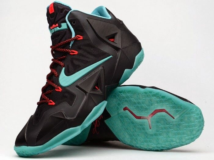 Men's Nike Lebron XI  Prohibition  Sneakers Siez 11 - NEW