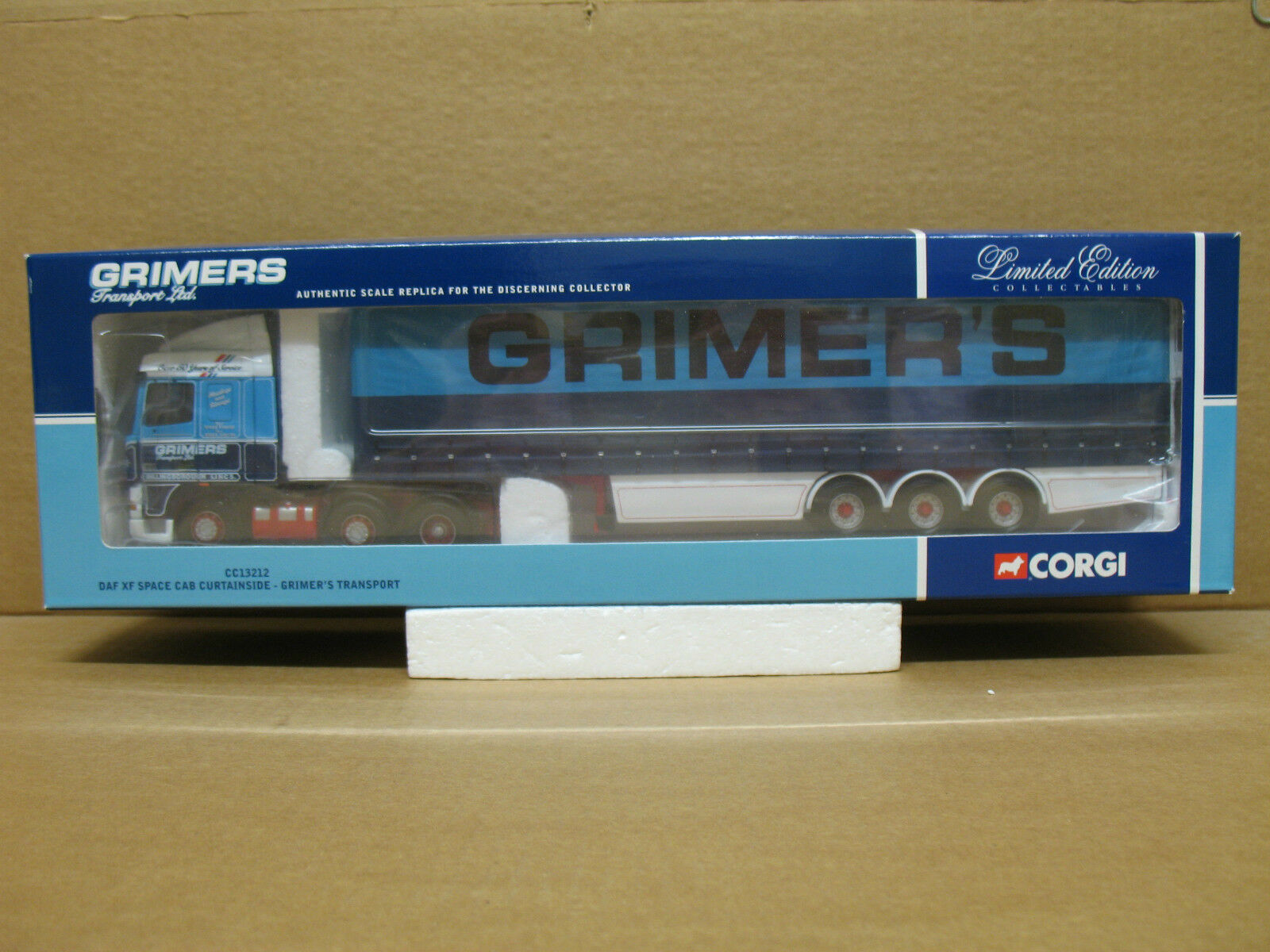 Corgi 1 50 scale CC13212 - DAF XF Space Cab Curtainside - GRIMER'S TRANSPORT