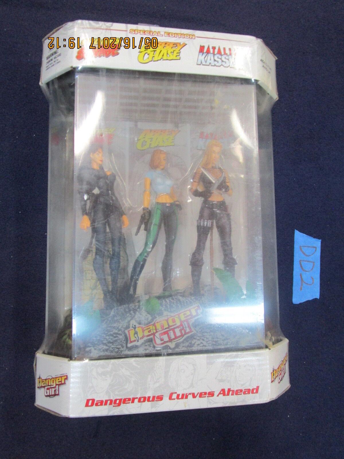 DD2 McFarlane Toys Lot DANGER GIRL SET Sydney Savage Abbey Chase Natalia Kassle