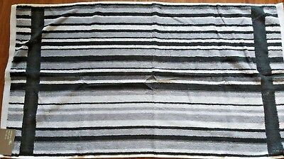 Plain Black in reverse side 50 x 90 cm Black,White /& Grey Striped Hand Towel
