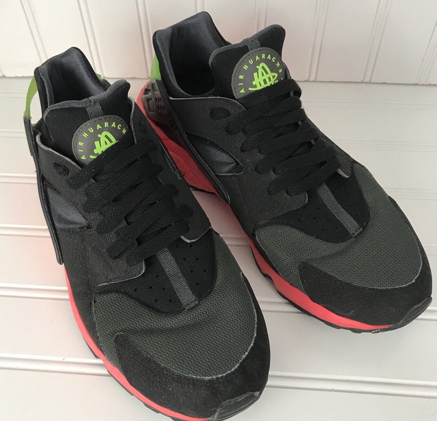 0cc15ea22a6 Nike Air Men Men Men Huarache Hyper Punch Size 9 Black Pink 318429-006  8523df