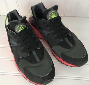 Nike Air Men Huarache Hyper Punch Size 9 Black Pink 318429-006  b765b7c521