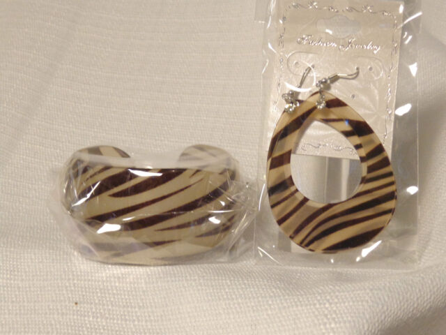 ANIMAL PRINT CUFF BRACELET EARRING SETS ASSORTED COLORS ZEBRA OR LEOPARD PRINT