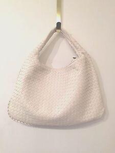 NEW   Bottega Veneta Large Intrecciato Hobo Bag in Leather   WHITE ... e7025b09eb
