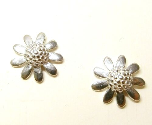 Solid 925 Sterling Silver Daisy Flower Stud Earrings with Gift Box