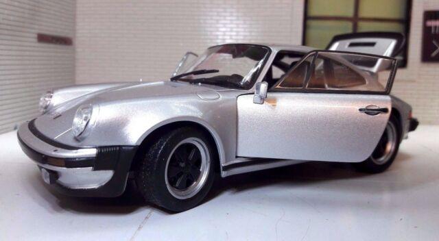 G LGB 1:24 ECHELLE 1974 PORSCHE 911 Turbo 3.0 WELLY SUPERBE VOITURE MINIATURE