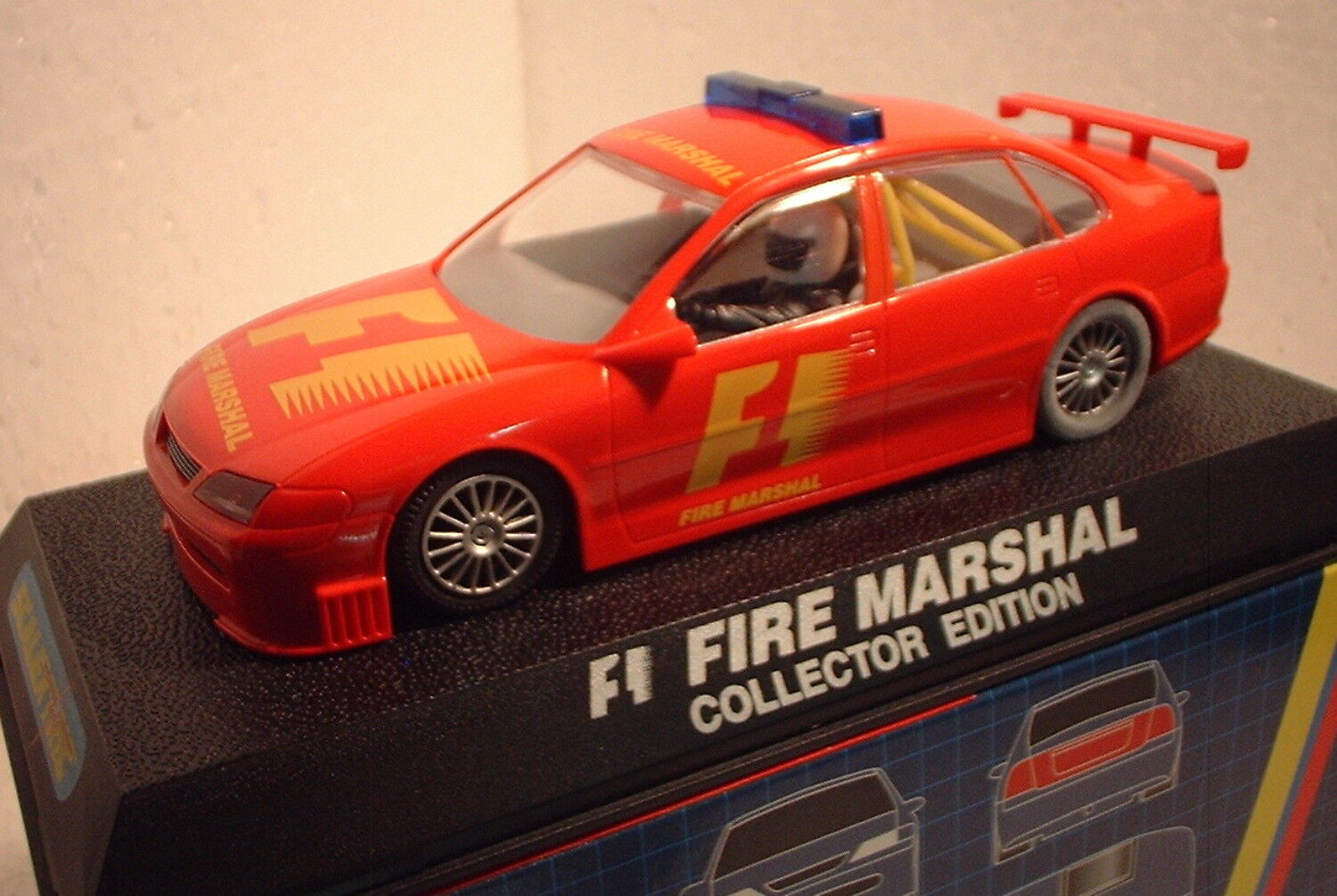 QQ C 2198 scalextric UK Vauxhall Vectra F1 fire Marshall Marshall Marshall collector edition  | Louis, ausführlich  359aea