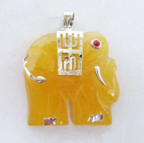 Yellow Jade Elephant Pendentif Ruby yeux blanc plaqué or avec chaîne Collier