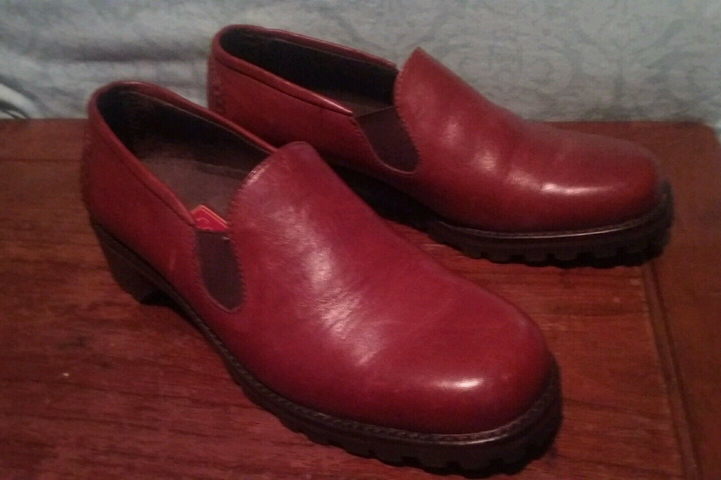 COLE HAAN COUNTRY SLIP ON SHOES SIZE 6 B RED BROWN EUC   WOMENS
