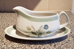Vintage-Wood-amp-Sons-Clovelly-green-gravy-or-sauce-boat