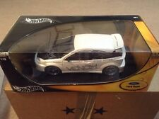 Hot Wheels Metal Collection 1:18 Gold Ed Ford Focus White Venom