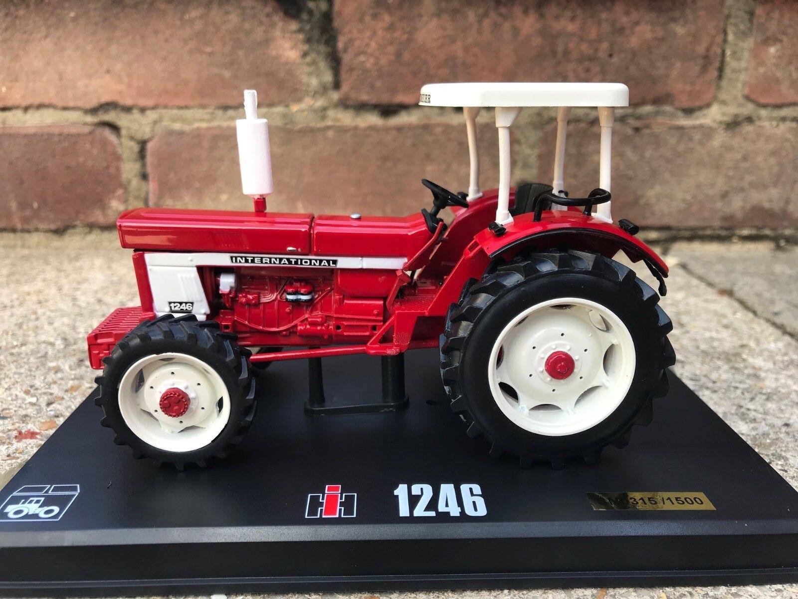 REP202 1 32 Replicagri IH 1246 (Panningen 2018 Show Tractor) Ltd Edt