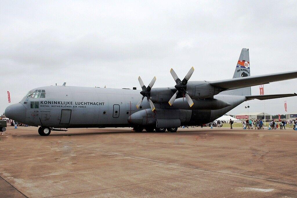 Jfc130007 1 200 Niederlande Air Force C-130 Hercules schwarzbulls 100 Jahr