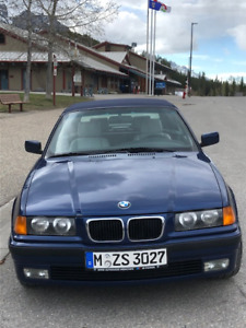 BMW 1998 328 Convertible - Excellent Condition and Low Kms