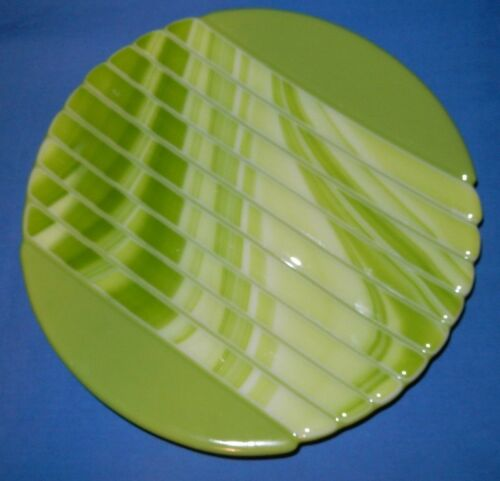 "9 & 58"" Bright Green Round Ribbed Handcrafted Art Glass Plate"