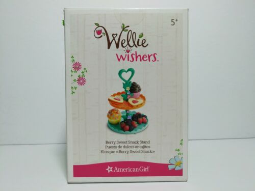 """AMERICAN GIRL /""""WELLIE WISHERS/""""  /""""BERRY SWEET SNACK STAND PLAYSET/""""   7 PIECES"""
