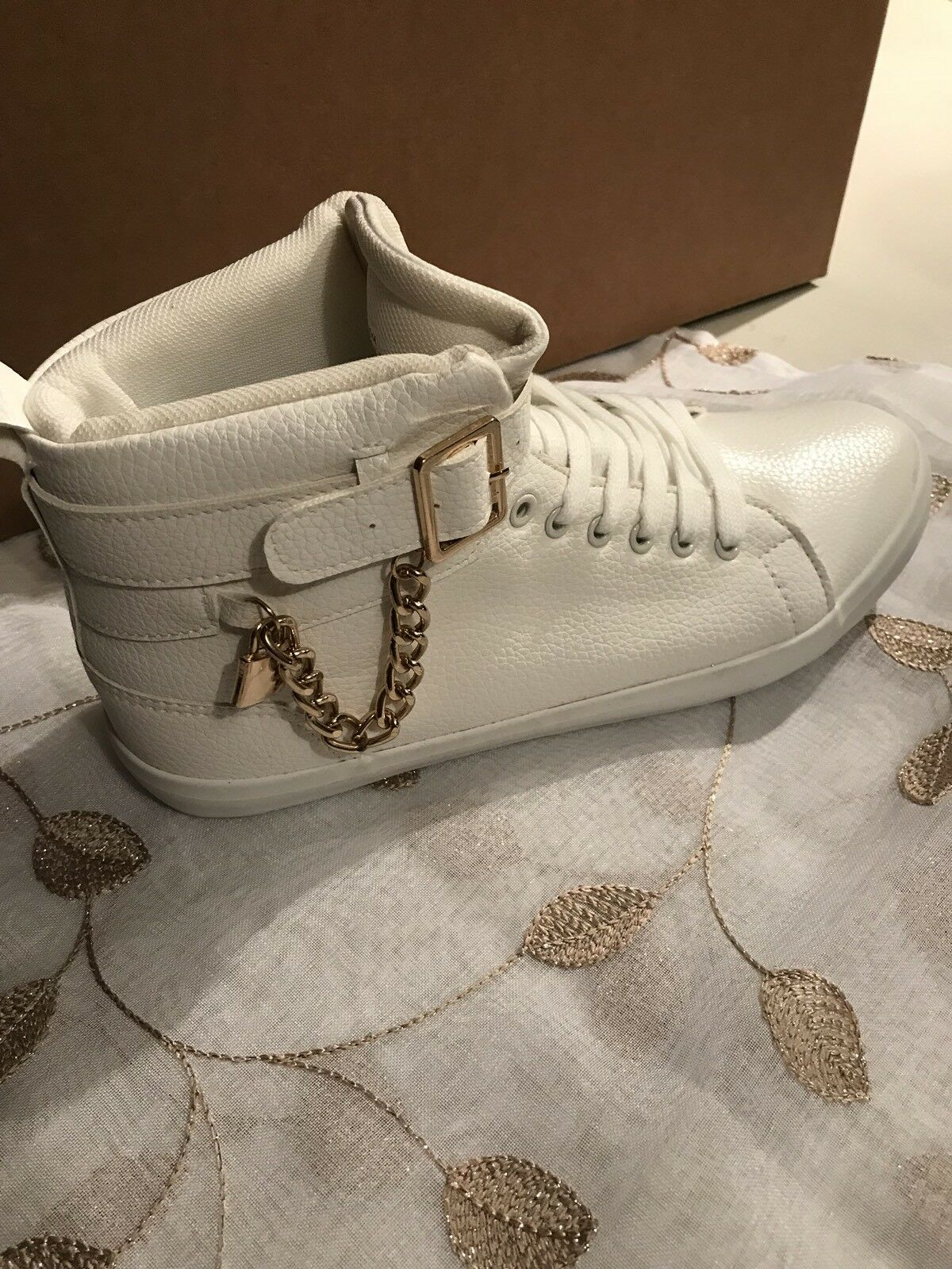 Just Fab White Sneakers Size 10 Womens Chain lock