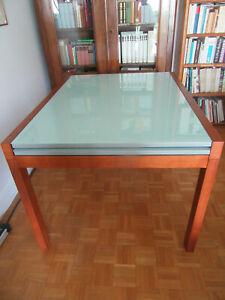 Table rectangulaire avec plateaux de verre